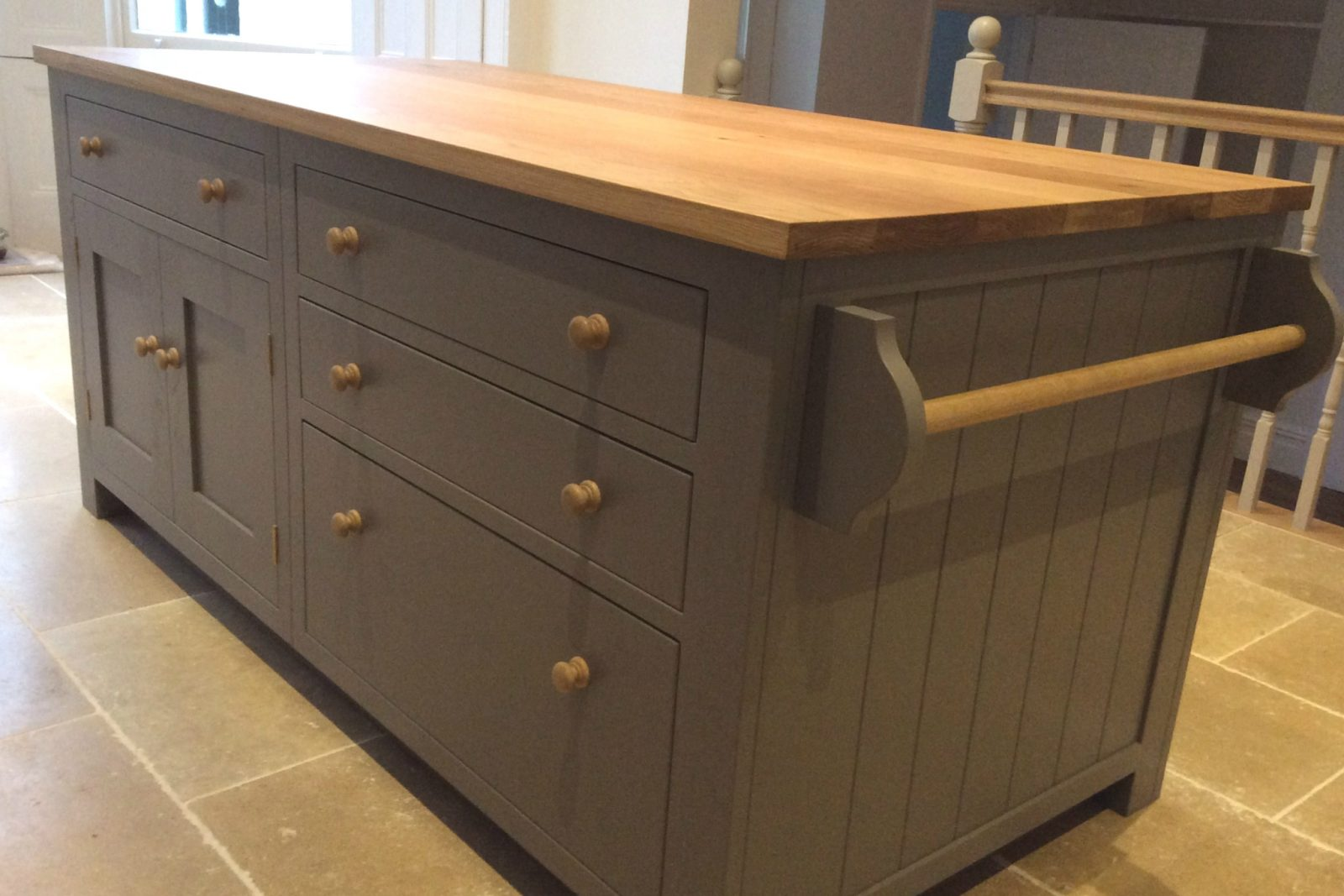 Shaker Kitchen With Freestanding Centre Island Sustainable Kitchens