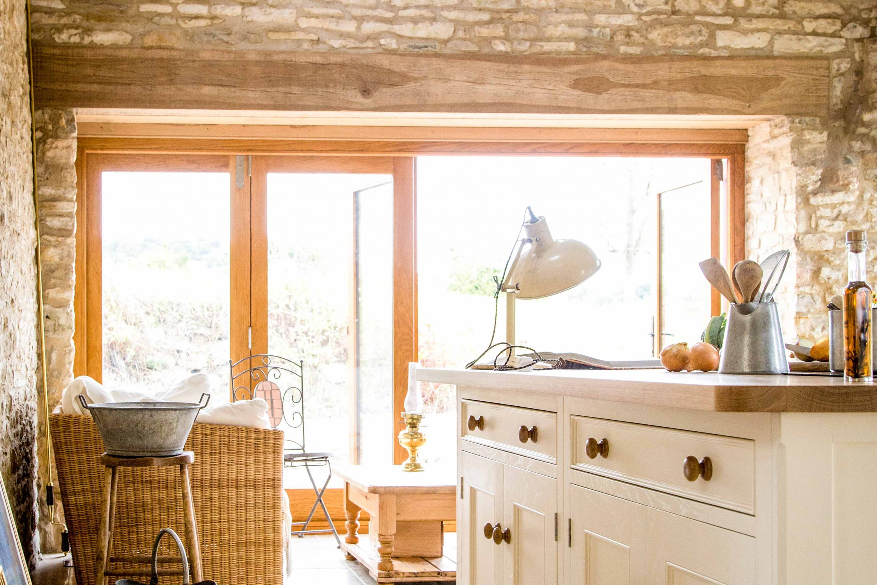Stevens - Traditional Country Kitchen - Sustainable Kitchens