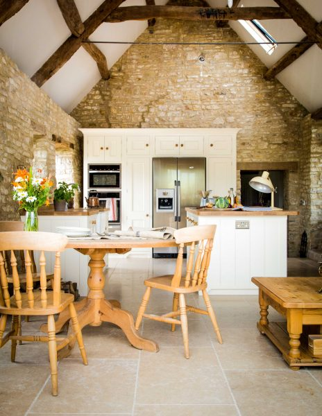 Oak traditional country kitchen barn conversion