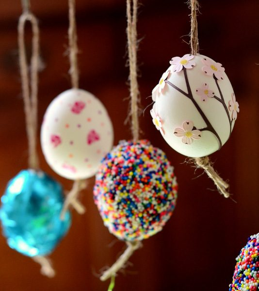 blown and decorated Easter eggs