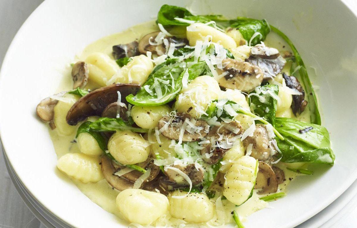 Creamy mushroom and spinach gnocchi