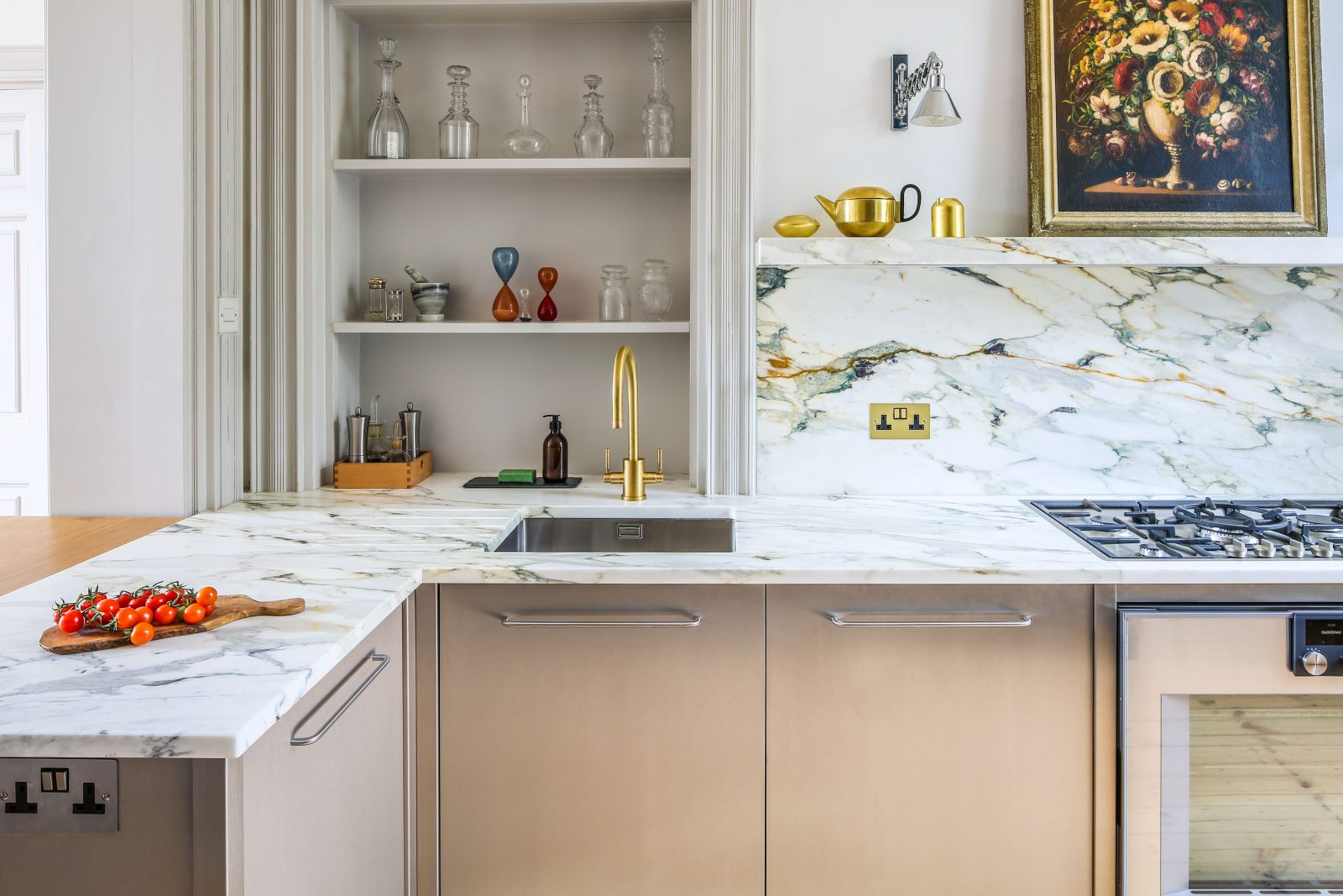 The steel and marble townhouse kitchen sustainable kitchens for Townhouse kitchen design