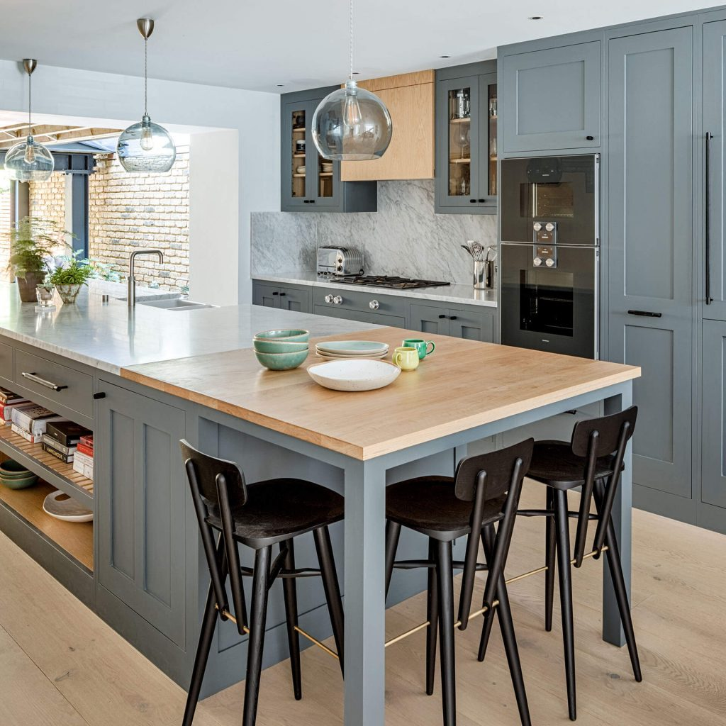 Grand Grey Shaker Kitchen with oak topped breakfast bar