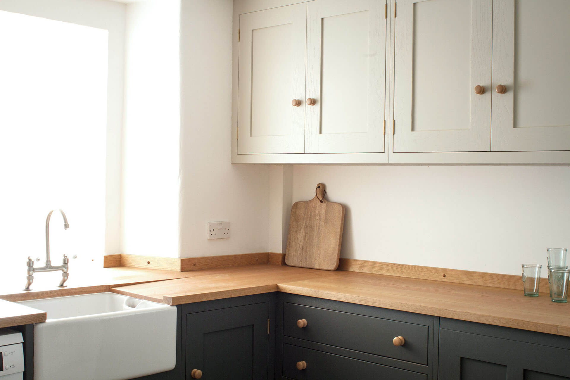 THE COSY STONE COTTAGE KITCHEN IN BATH