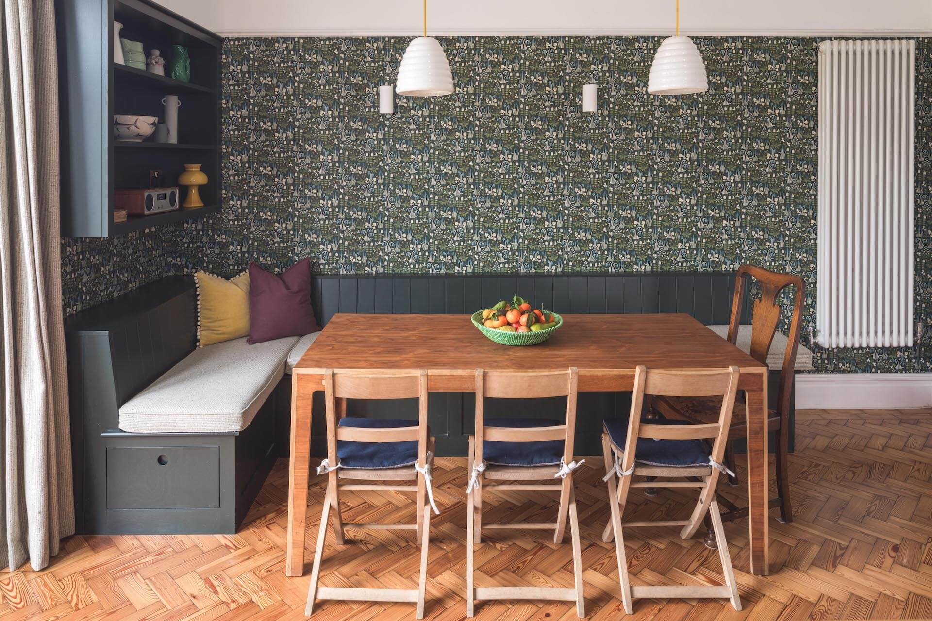 The Cardiff Green Shaker Kitchen wth dining room bench seating