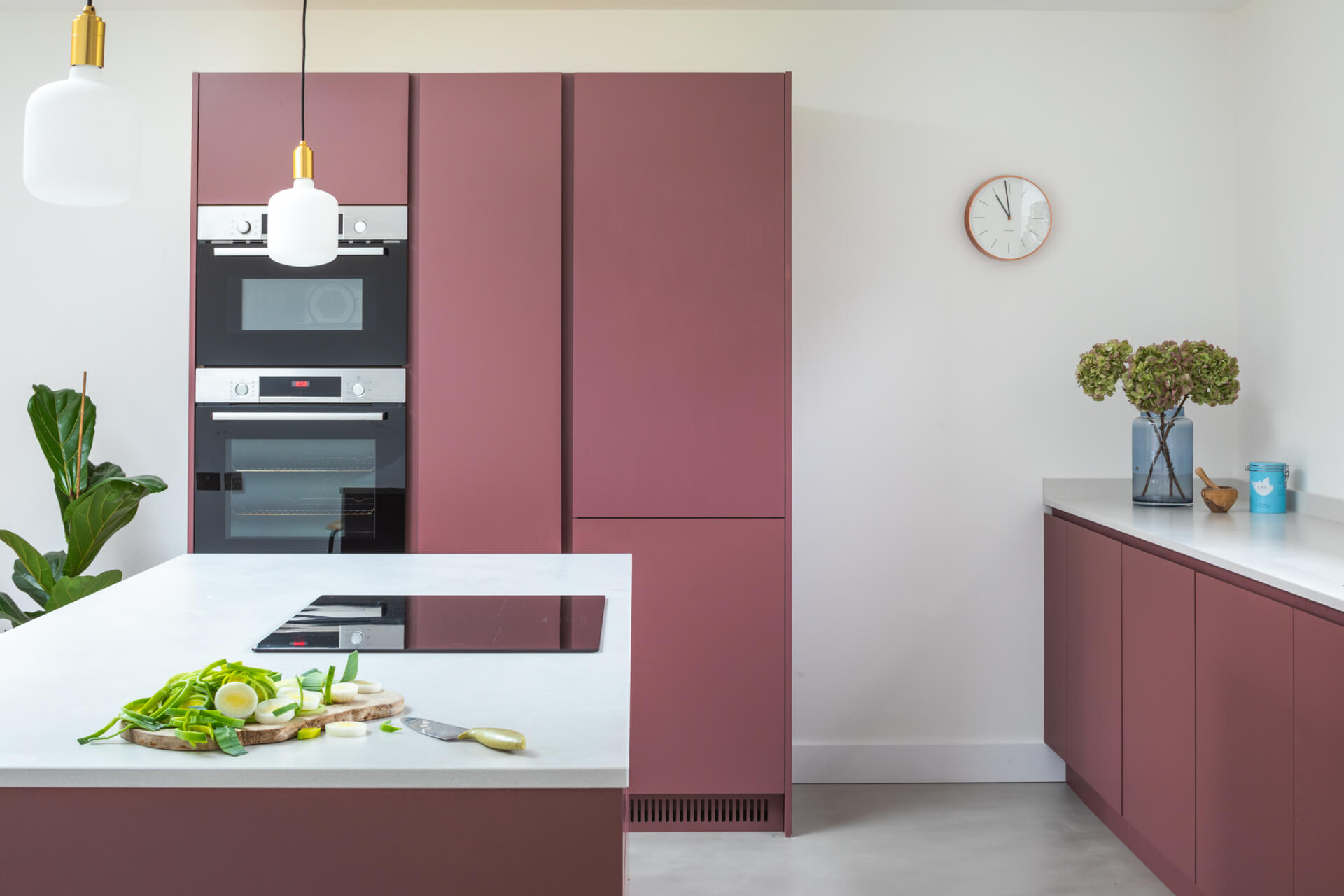 Handleless Plum Kitchen in paint and paper library plum brandy