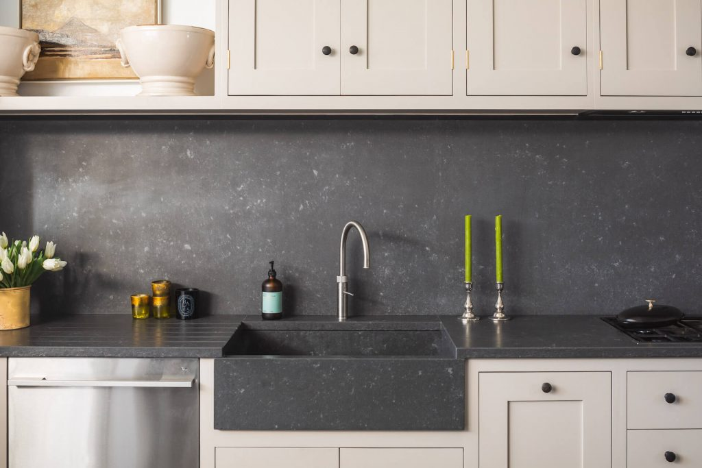Grand Shaker Kitchen London - Farrow and Ball Elephants Breath with Concretto Scuro worktop and sink